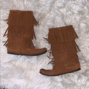 Minnetonka fringe boots